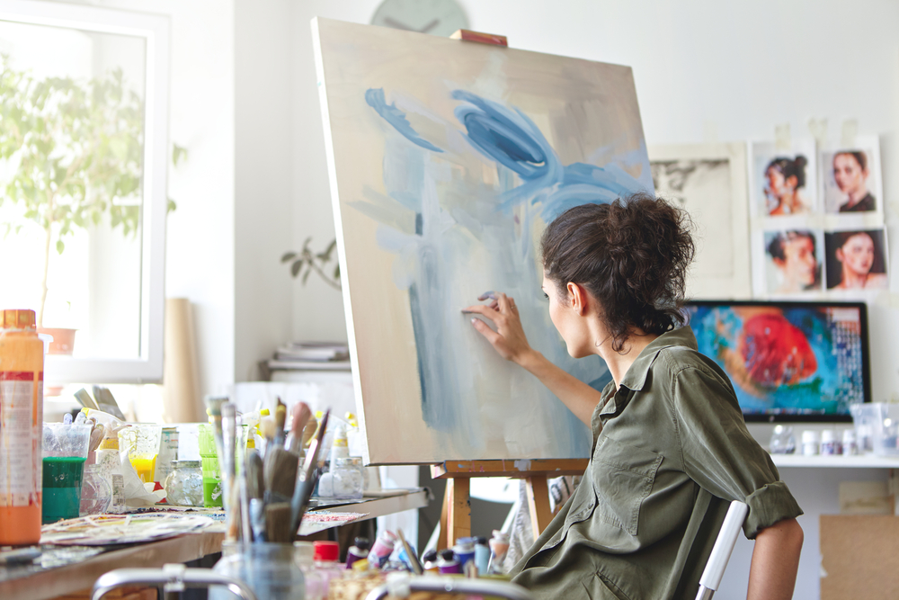 woman with depression uses art as outlet